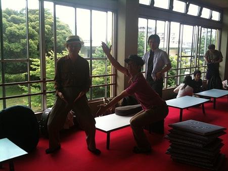 緋色の絨毯とニュー東京スマアトボーラーズw