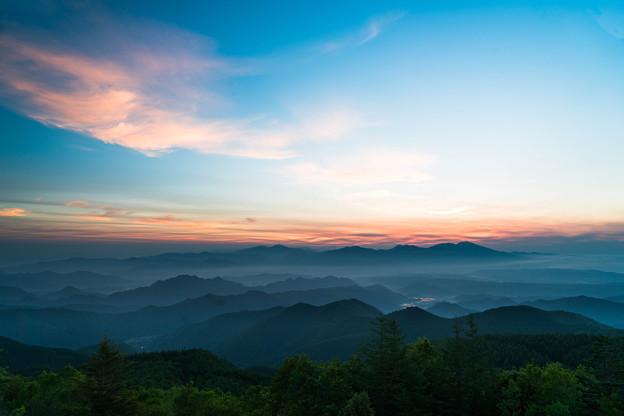 高原の夜明け
