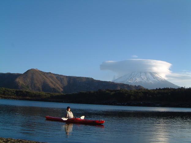 真冬の富士山と西湖