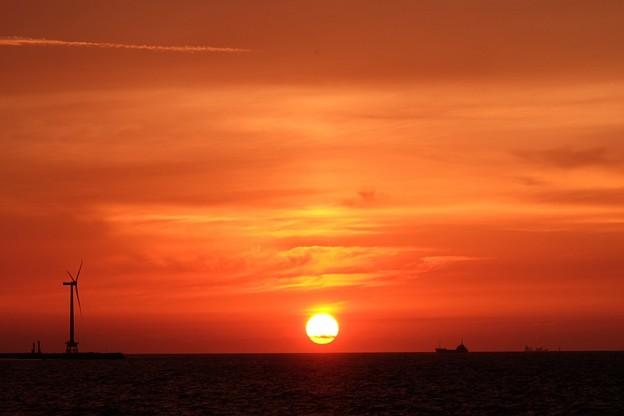 水車の見える夕景