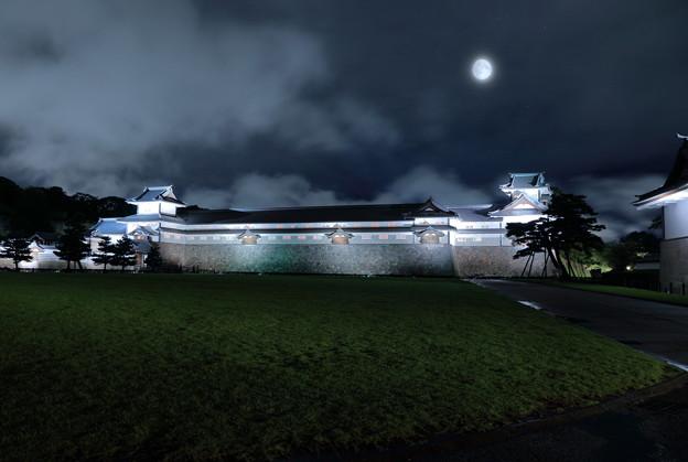金沢城と中秋の名月 多重合成