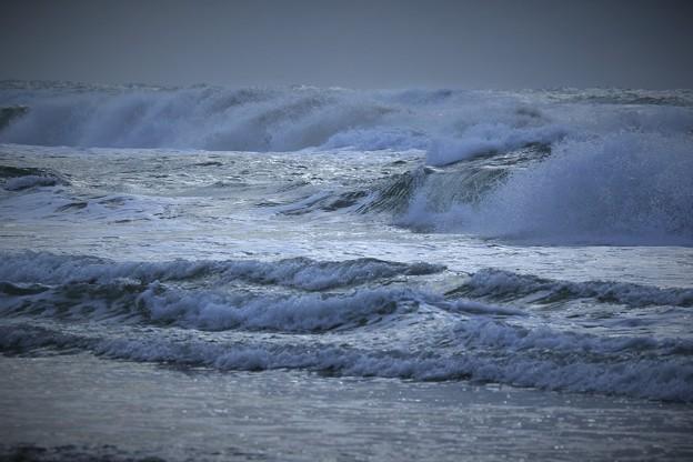写真: 荒れる日本海(3)