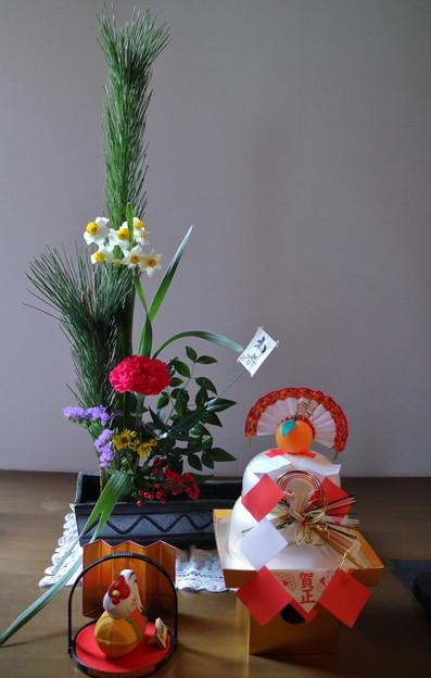 写真: お正月の生け花(2)