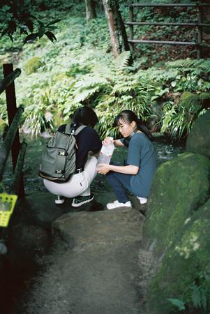 箱島湧水_水汲み_M6-000033