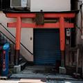 Photos: 住居一体型の祠-3108