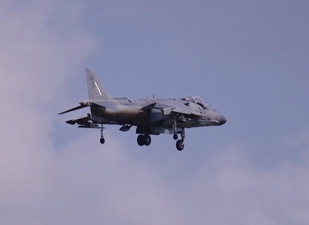 ある日の厚木基地。。岩国のVMA214Blacksheeps WE06  戦闘機らしからぬ動き。。ハリアー 20160423