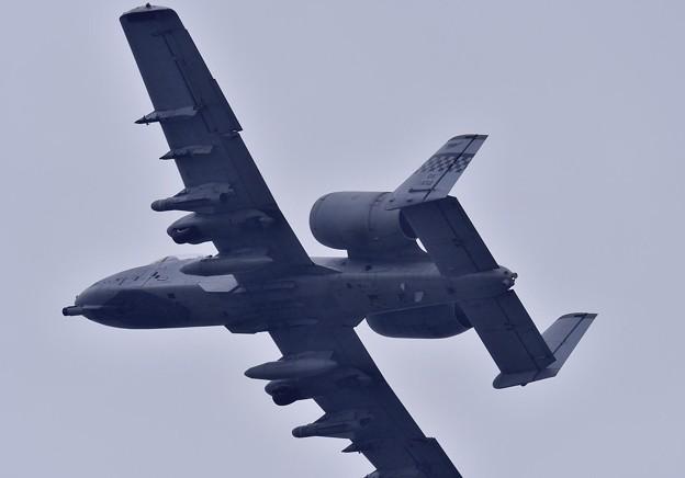岩国基地 雨の中 A-10の上がり。。旋回してオーサン基地へ帰投 5月6日