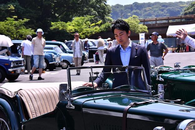 誰かと思ったら。。横須賀のスター小泉議員。。20160529