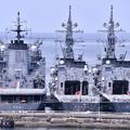 後ろすがたの。。海自護衛艦たち。。