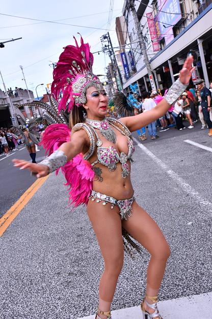 サンバ美女。。速い腰振りで。。横須賀おっぱま祭り 20160710