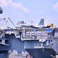 Photos: 空母ロナルドレーガンに乗っかるモックアップの艦載機 20160806