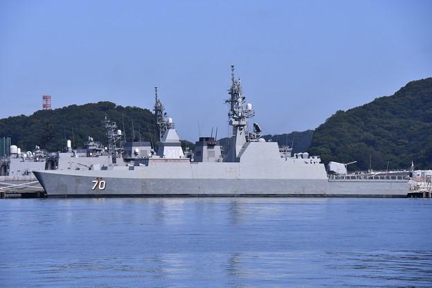 朝の横須賀基地吉倉桟橋 シンガポール共和国海軍の艦船 20160821