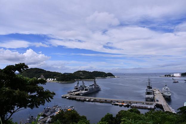 静かな横須賀基地の港を眺めて。。20160821