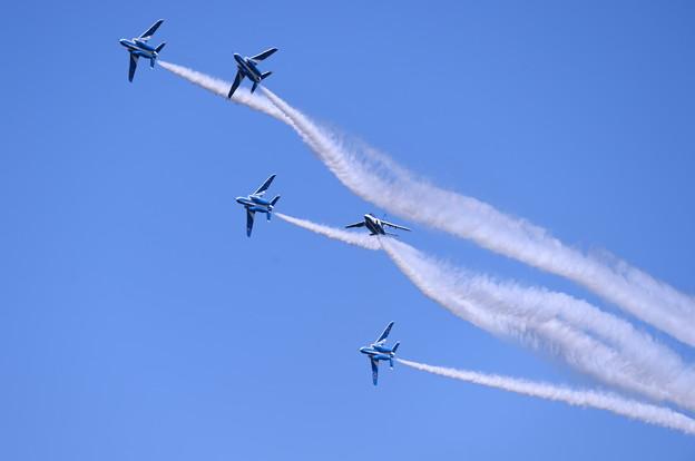 トレイル隊形からチェンジオーバーターンへ。。三沢基地航空祭
