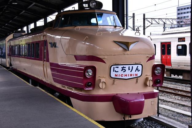 Photos: 門司港 九州鉄道記念館 国鉄485系にちりん。。20161007