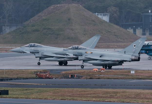日本の空へイギリス空軍ユーロファイタータイフーン 配置へ。。10月24日