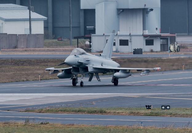 初めてイギリス空軍ユーロファイタータイフーン見て。。興奮 10月24日