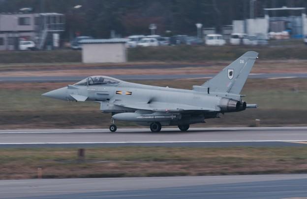 イギリス空軍ユーロファイタータイフーン。。テイク・オフ 20161024