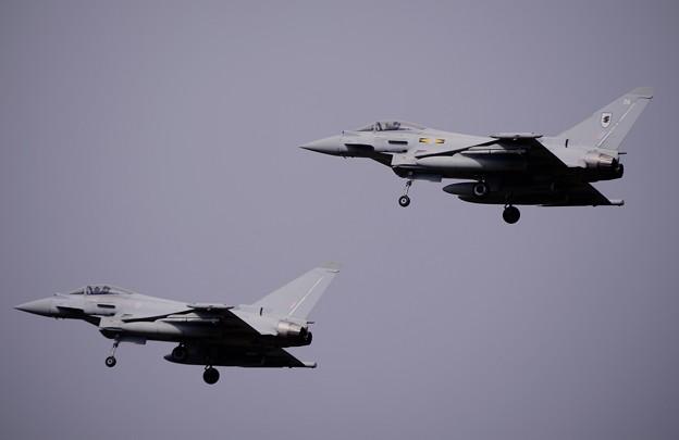 残りはフォーメーションでアプローチ イギリス空軍タイフーン 20161024