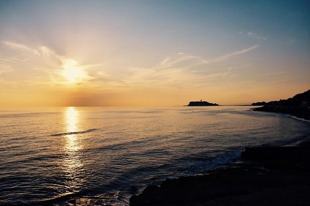 稲村ヶ崎から見る江ノ島の夕焼け。。20170107