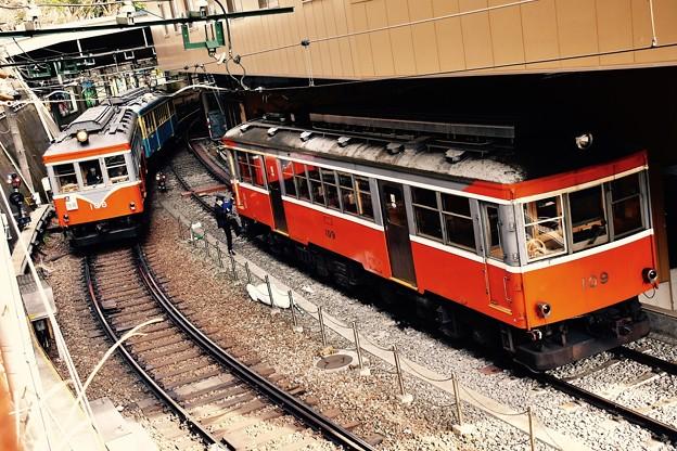 箱根湯本駅に3車輌のモハ2形(^^)。。108号109号そして引退の110号そろい踏み 20170129
