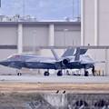 帰投してチェックを受けるステルス戦闘機F-35。。岩国基地 20170208