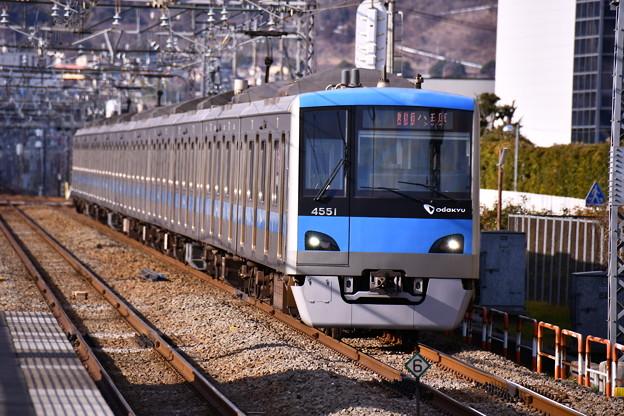 夕方の開成駅から小田急線 4000系。。20170219