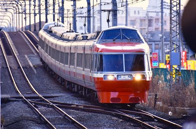 夕暮れの海老名駅。。小田急ロマンスカーはこね号新宿行き LSEの勇姿。。20170219