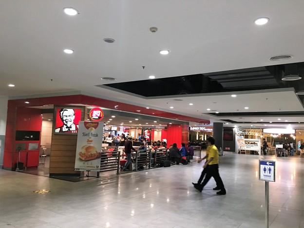 マレーシア クアラルンプール空港で一服 (5)