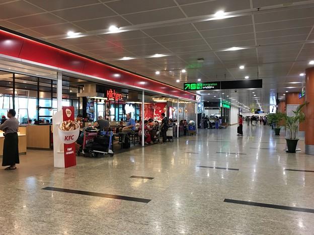 ヤンゴン国際空港 綺麗です (3)