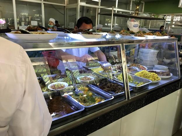 Garmadar Whale sale のレストラン (1)