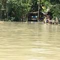 写真: 秘境ツアーの様な水路移動 水位の高低差に愕然 (16)