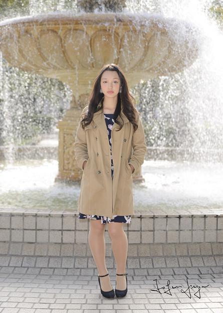 写真: モニカ瑠那噴水前引き