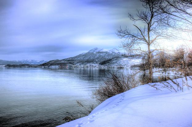 穏やかな冬の洞爺湖