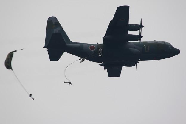 降下訓練始め5 C-130からの空挺降下