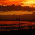 台風前の茜色の夕焼け