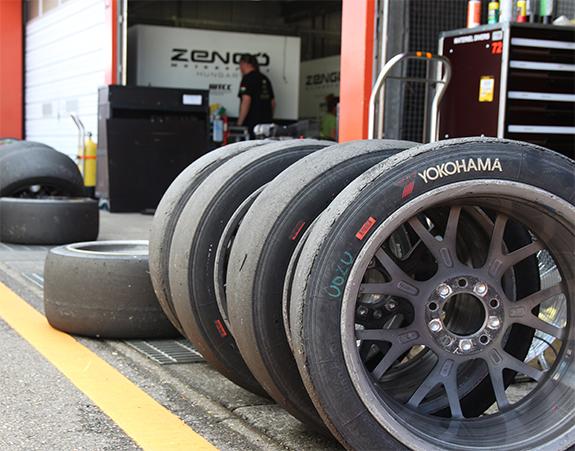 セバスティアン・ローブ・レーシング Sébastien Loeb Racing ヨコハマタイヤ WTCC