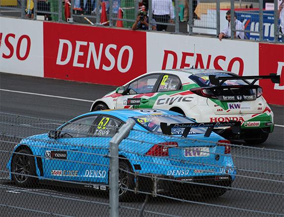 ポールスター・シアン・レーシング   (Polestar Cyan Racing ) ボルボ・S60・ポールスターTC1(Volvo S60 Polestar TC1) WTCC ネストール・ジロラミ(Nestorl  Girolami) テッド・ビヨルク(Thed Bjork)