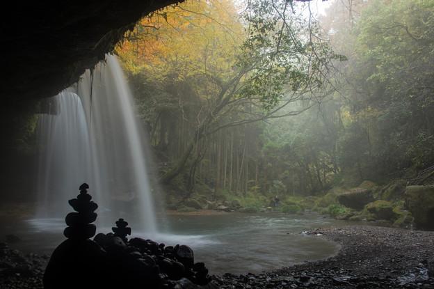 朝靄の鍋ヶ滝♪3