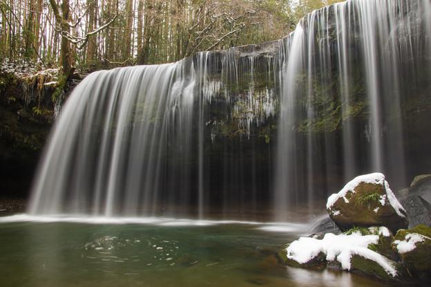 雪の鍋ヶ滝♪