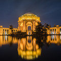 写真: The Palace of Fine Arts Theatre