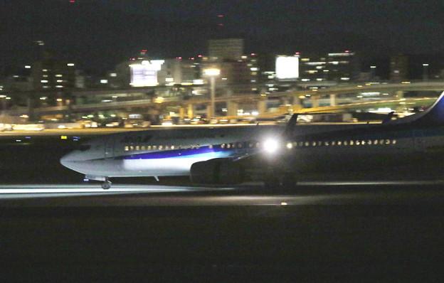 夜の伊丹空港